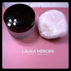 SEALED Laura mercier translucent setting powder.